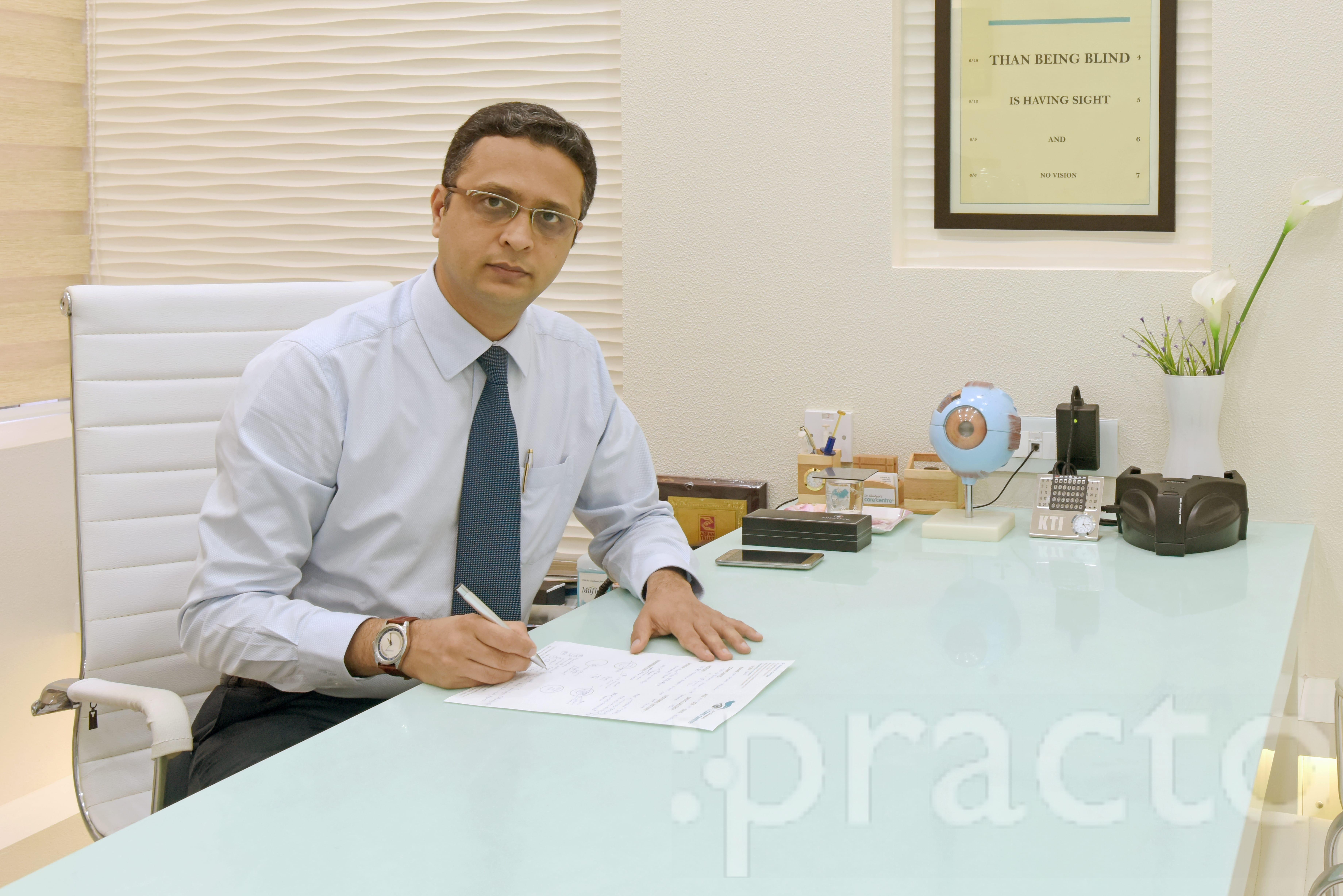 Dr. Darshan V. Chudgar - Ophthalmologist
