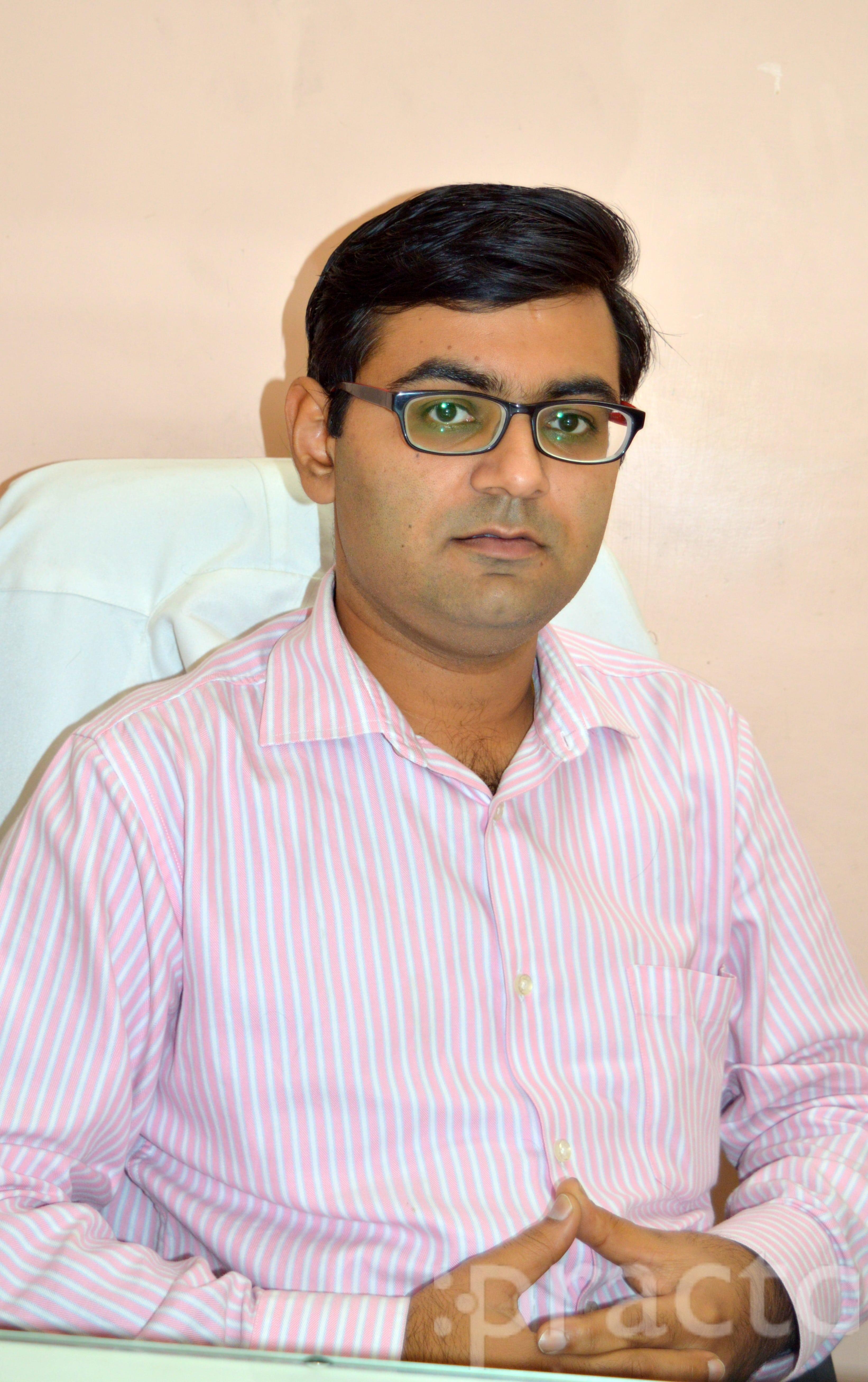 Dr. Gaurav Dhuper - Orthopedist