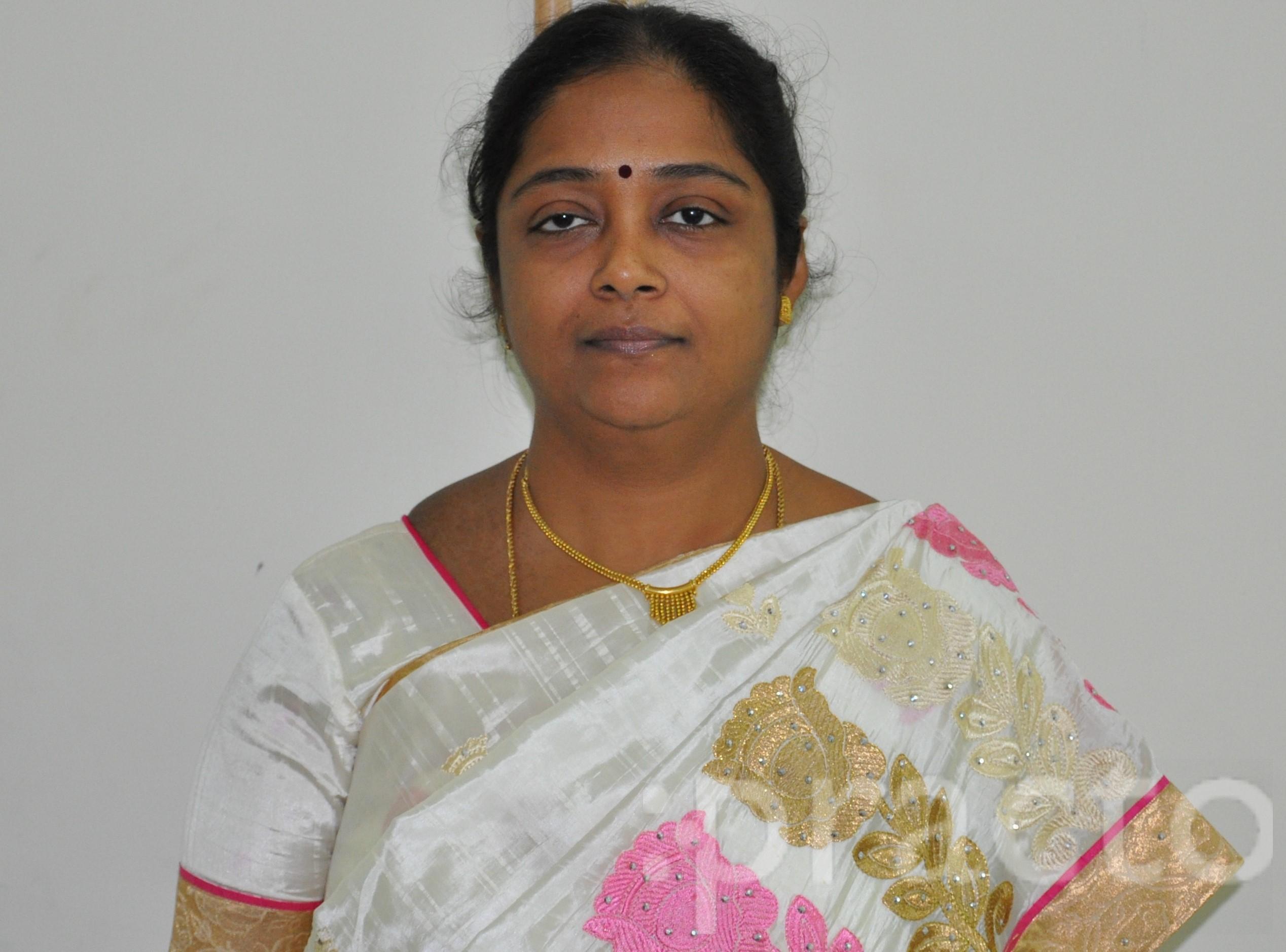Dr. Gayathri Kumar - Gynecologist/Obstetrician