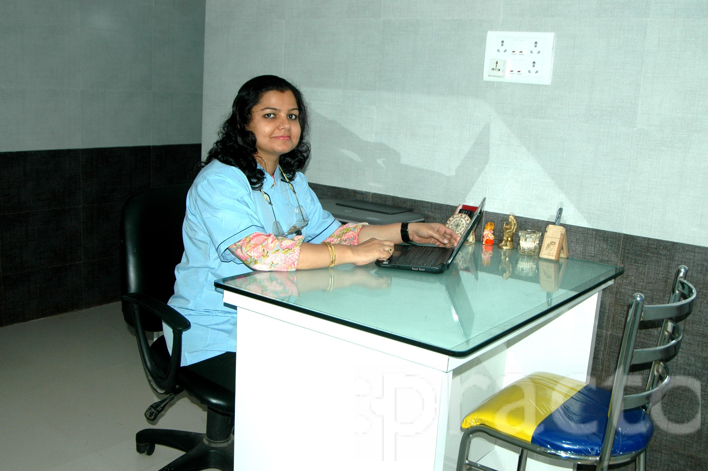Dr. Gayathri Shashank - Dentist
