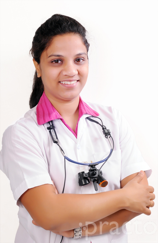 Dr. Geeta Kolte Ursal - Dentist