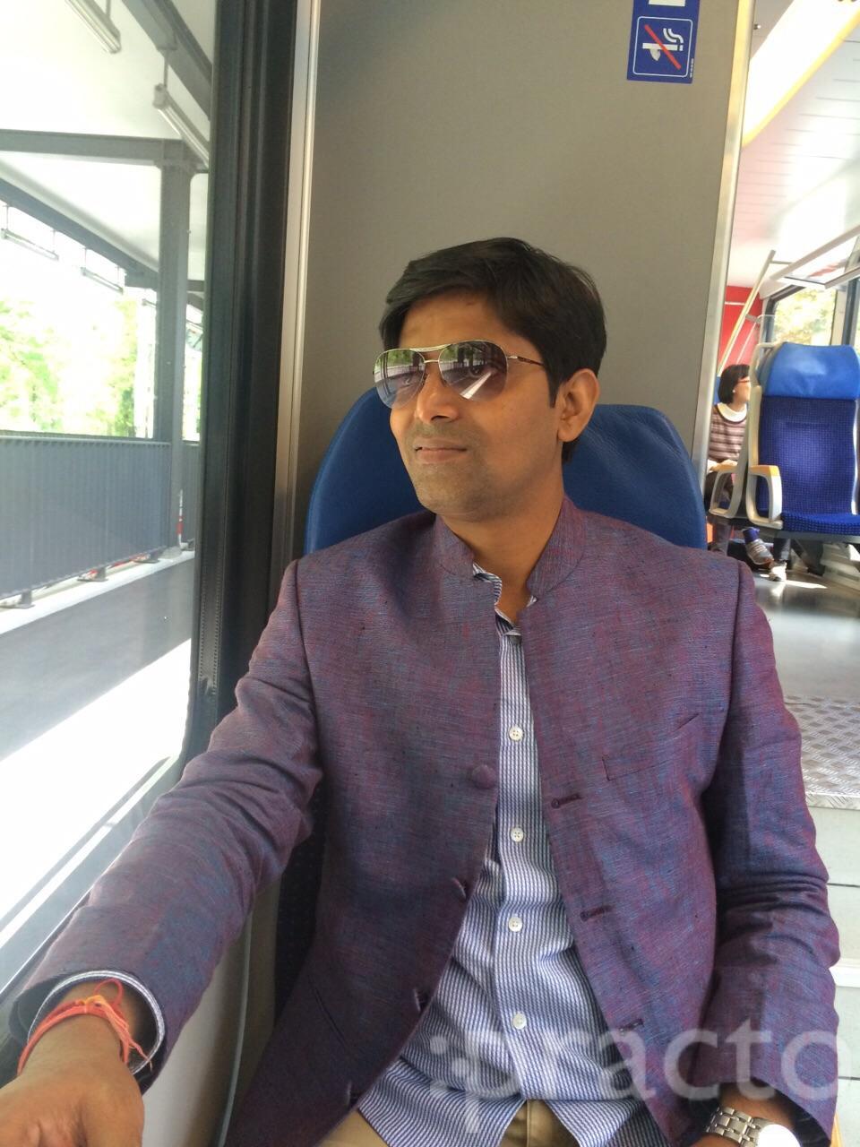 Dr. Jashwant Kr Sinha - Dentist