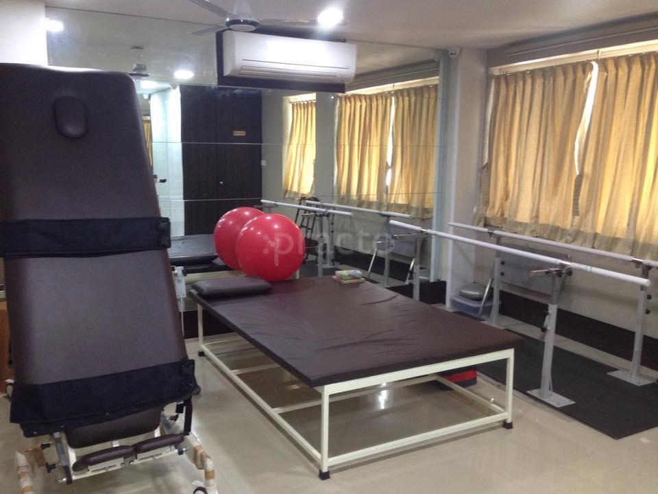 Physiotherapists In Kandivali, Mumbai - Instant Appointment Booking