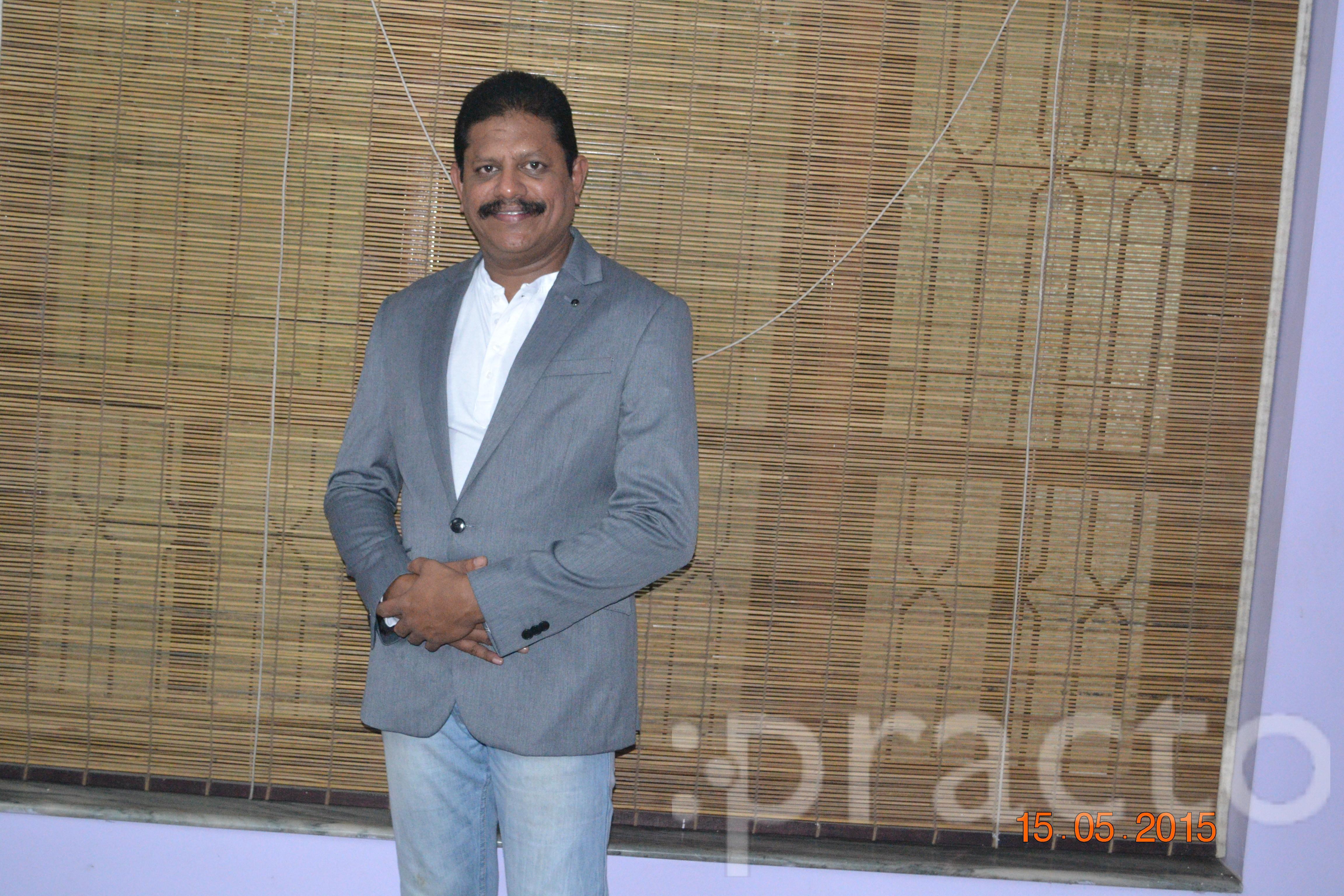 Dr. K.S. Krisshna Kumar - Dentist