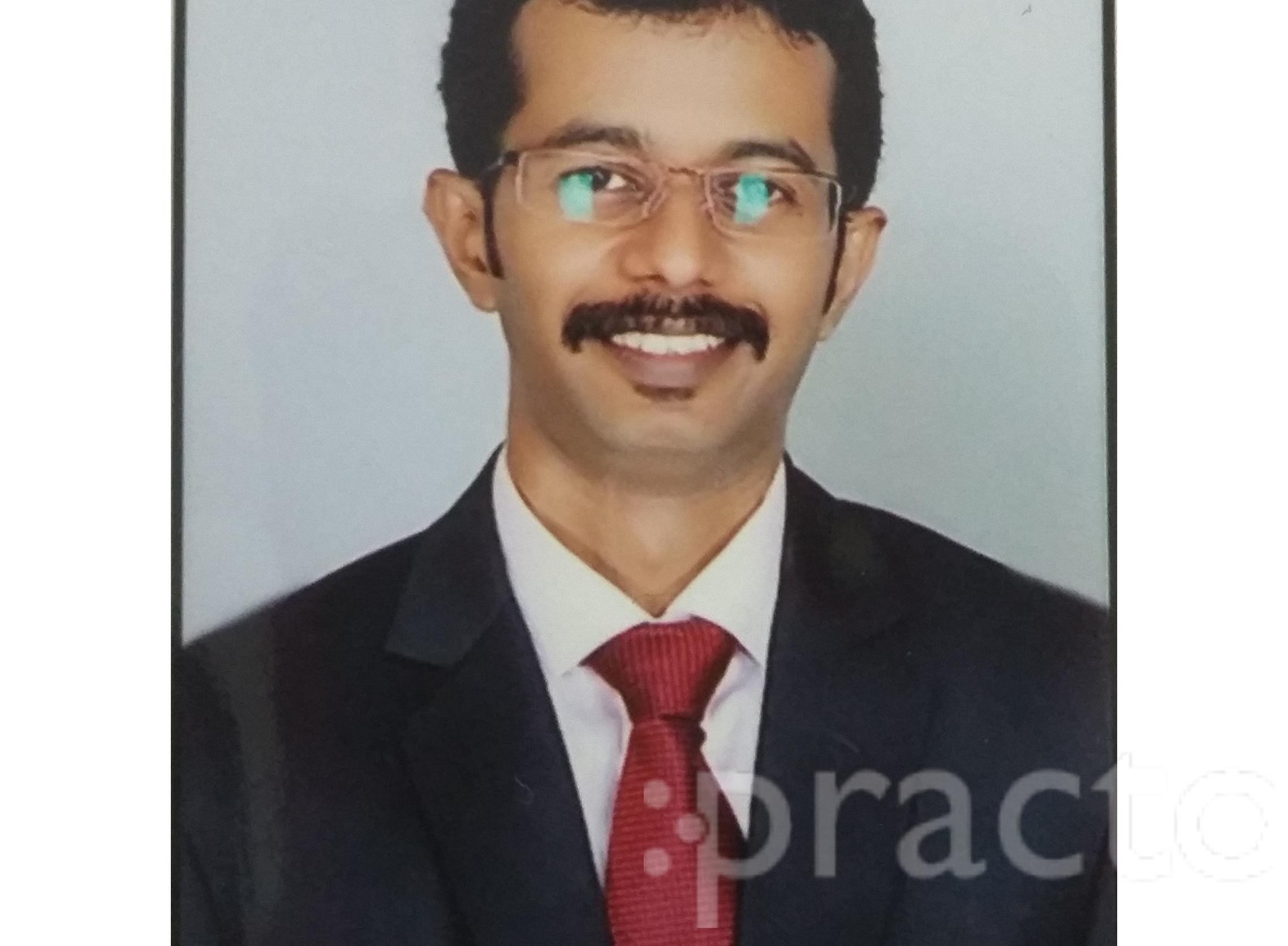 Dr. Karthick Hunse - Orthopedist