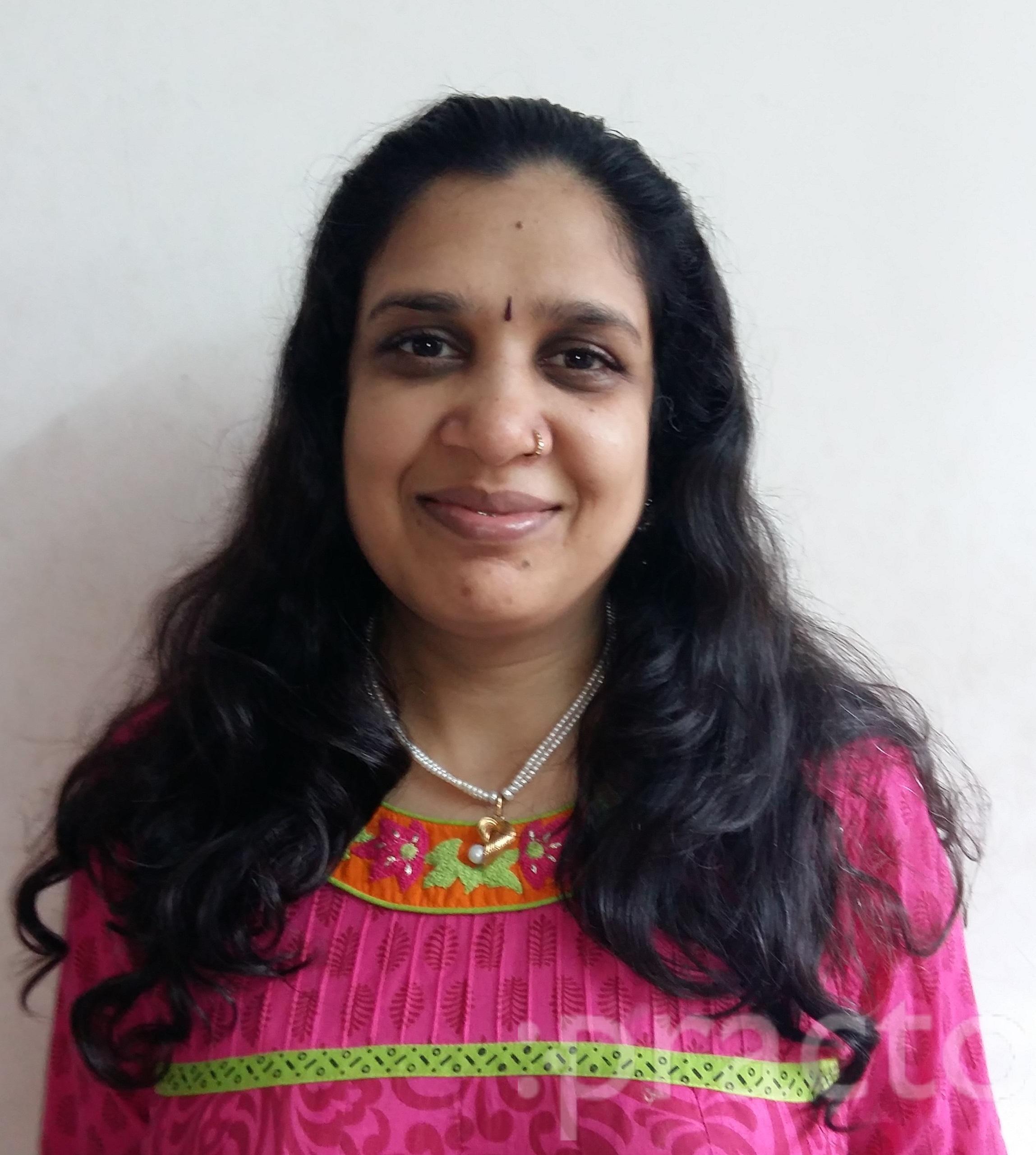 Dr. Karuna Goyal - Gynecologist/Obstetrician