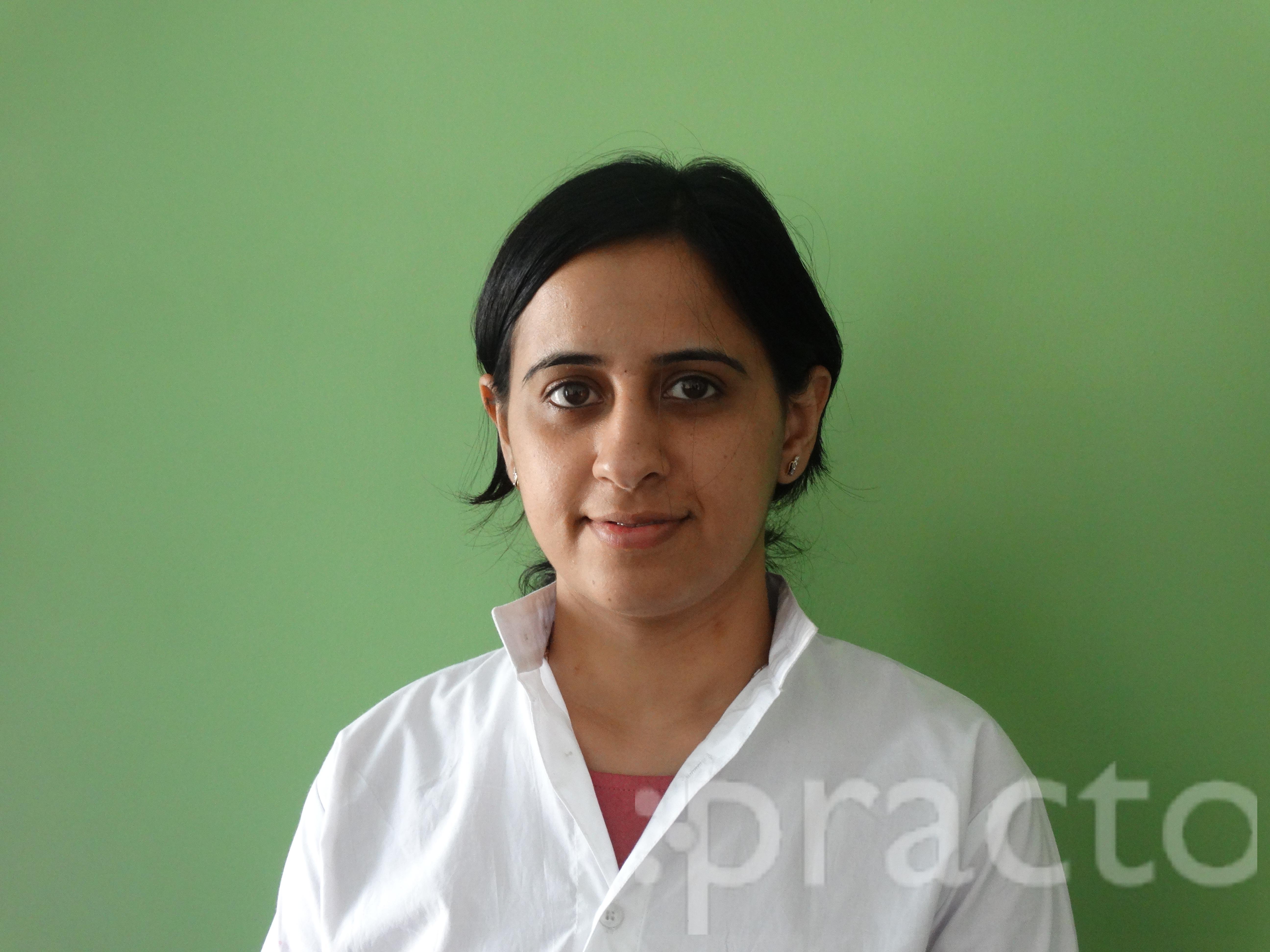 Dr. Laxmi Arora - Dentist