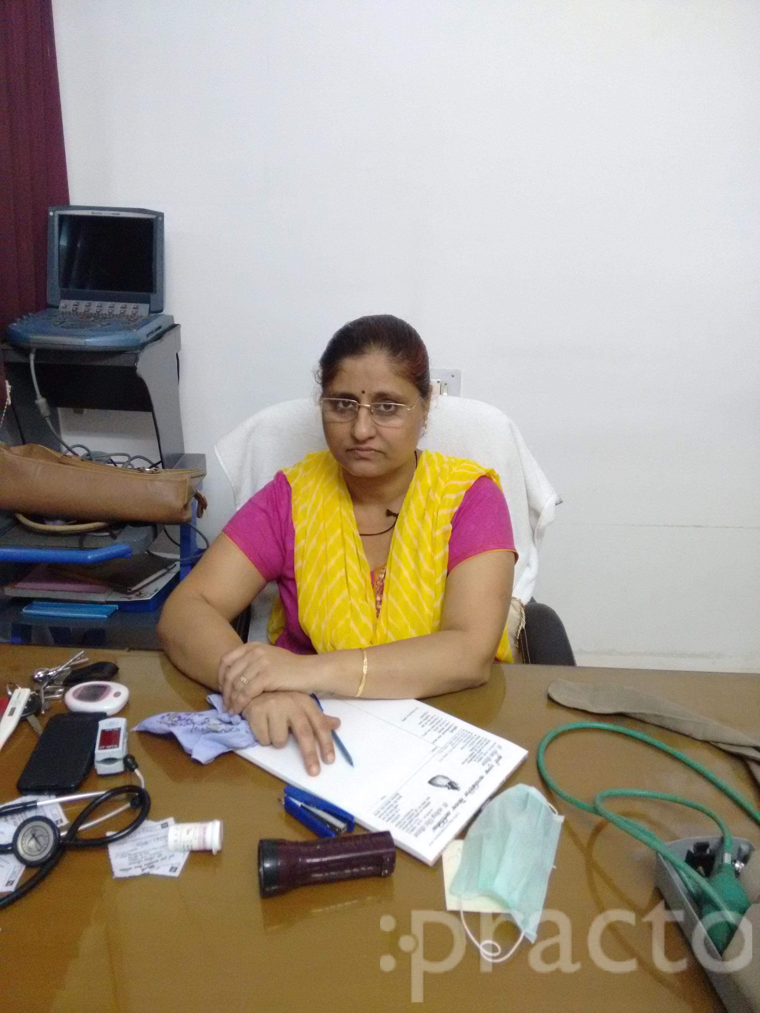 Dr. Leena Chauhan - Diabetologist