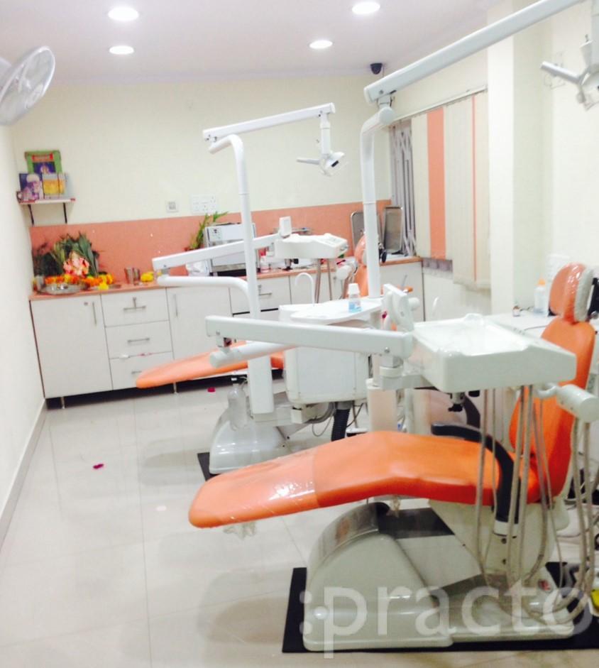 Dr. Manika - Dentist