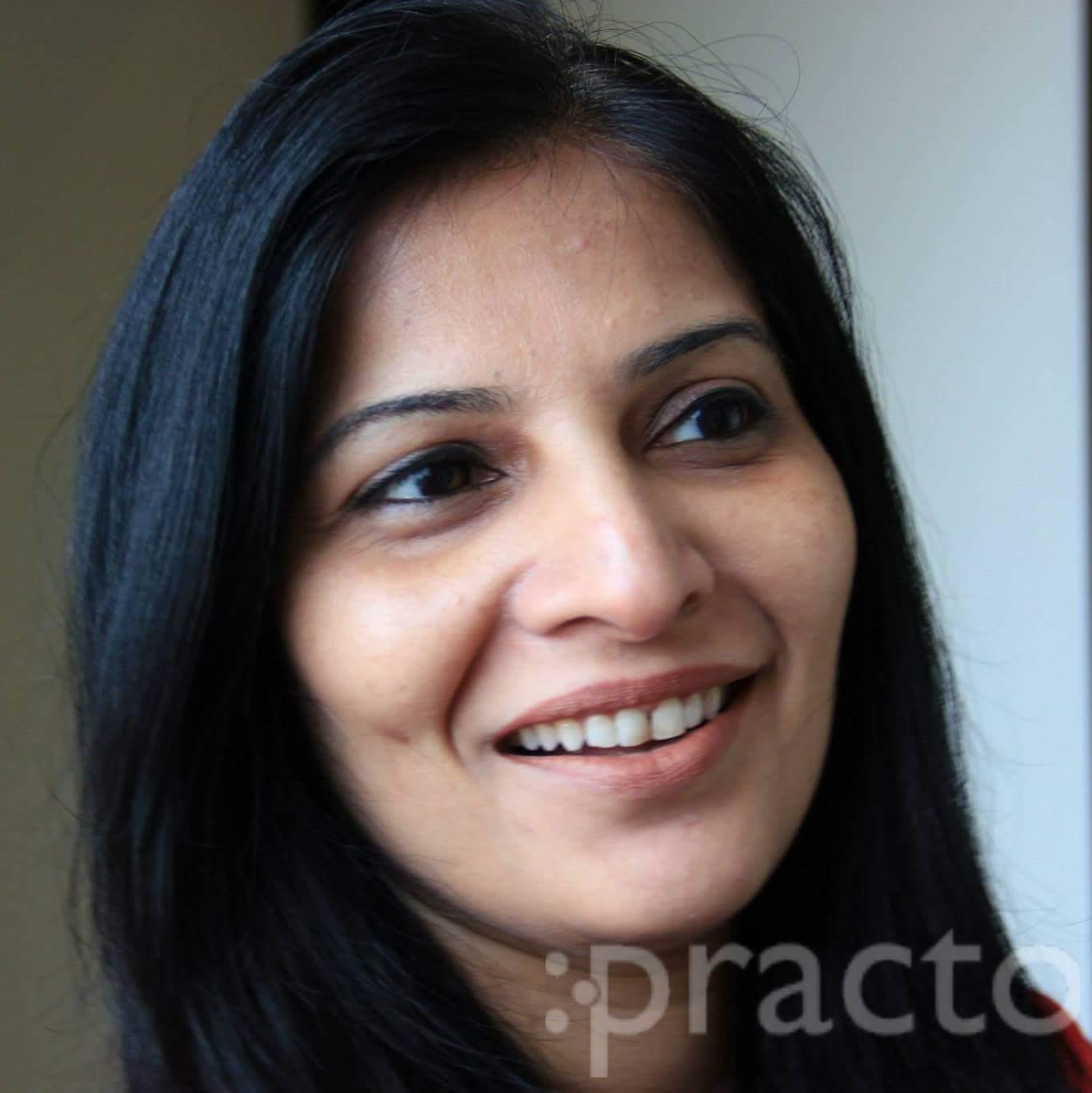 Dr. Meenakshi Gupta - Dentist