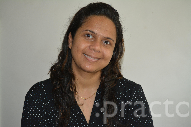 Dr. Meenakshi Singh - Dentist