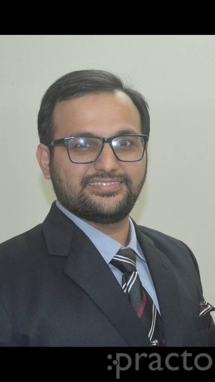 Mohit Bodhwani - Dentist