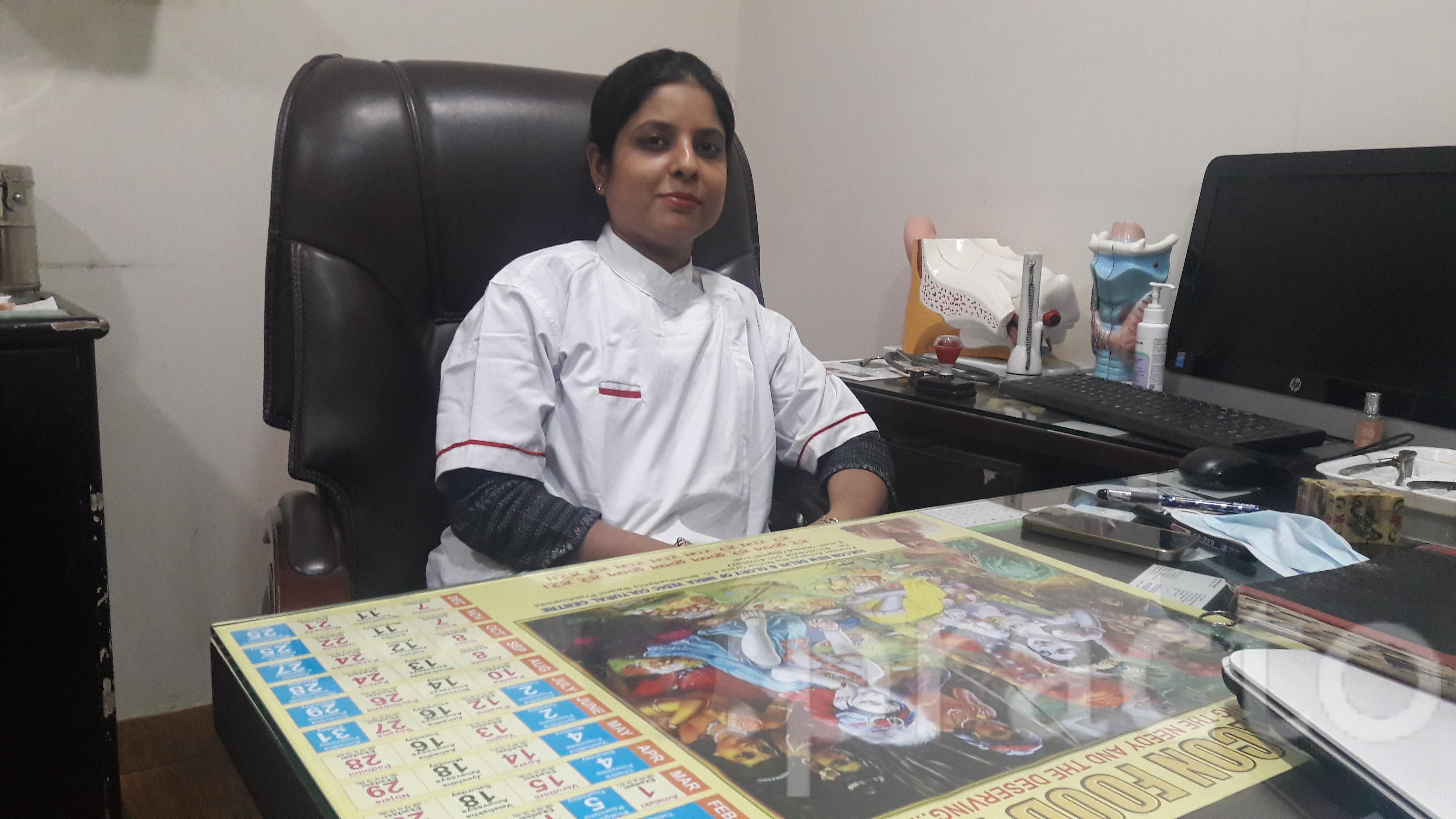 Dr. Monica Chawla - Dentist