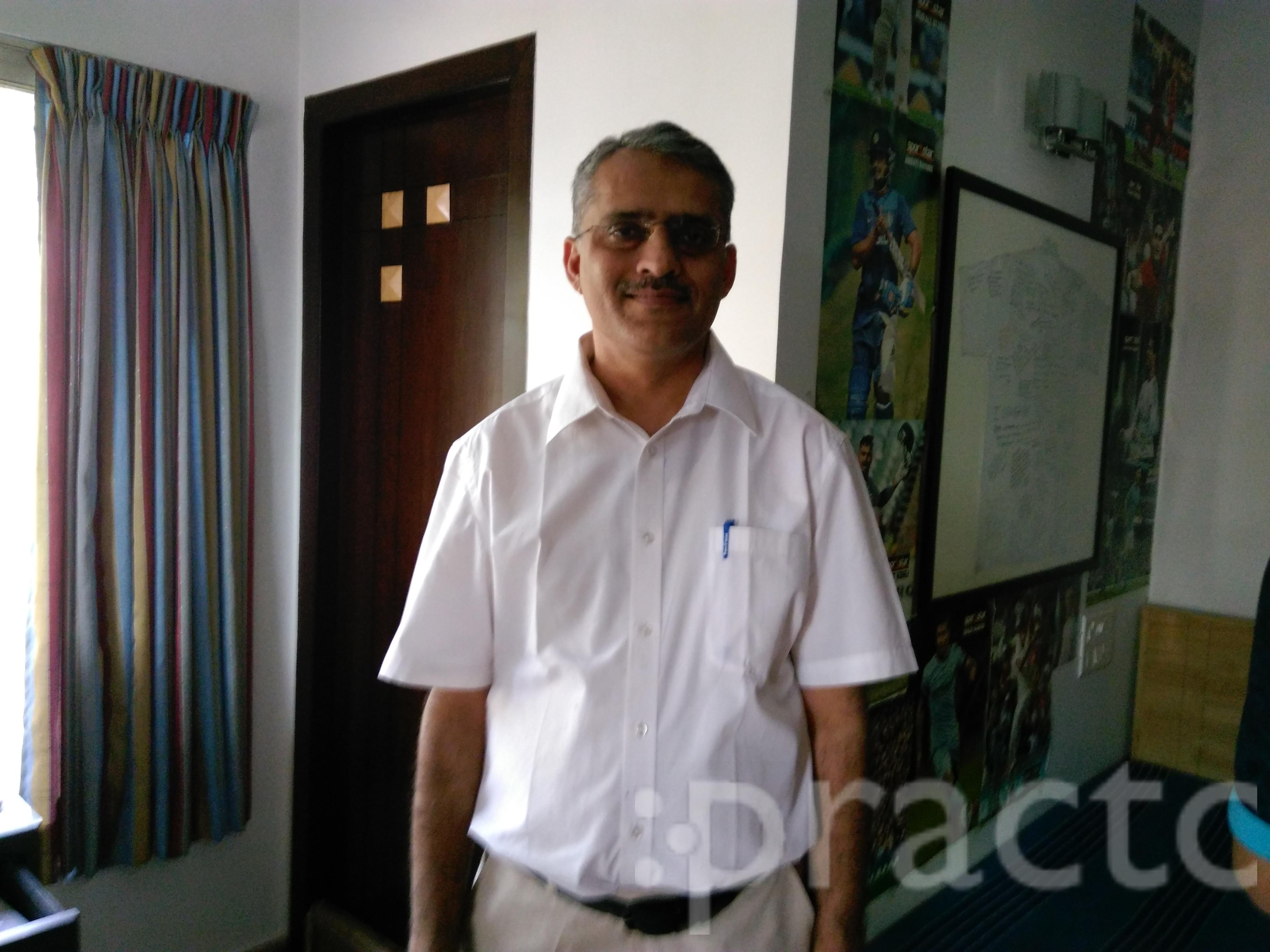 Dr. Naresh Rohra - Ophthalmologist
