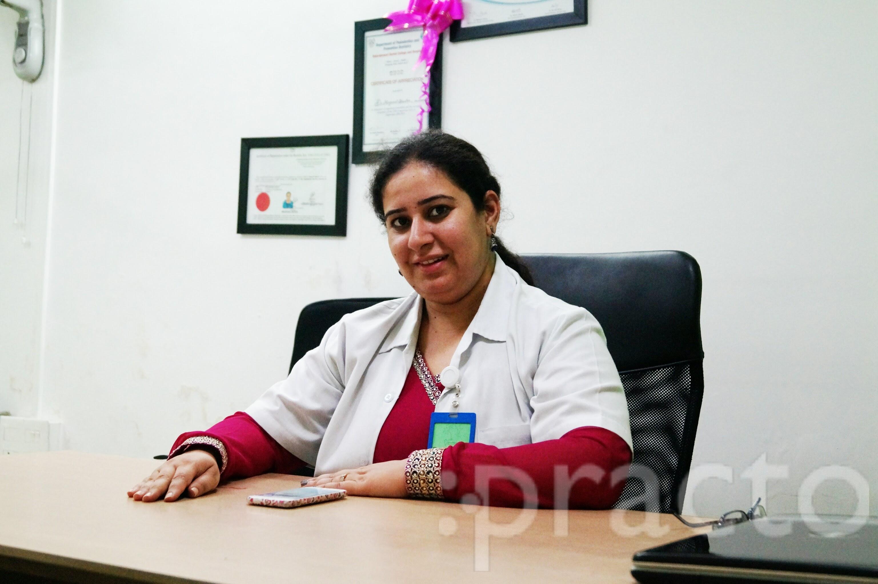 Dr. Navpreet Bhatia - Dentist