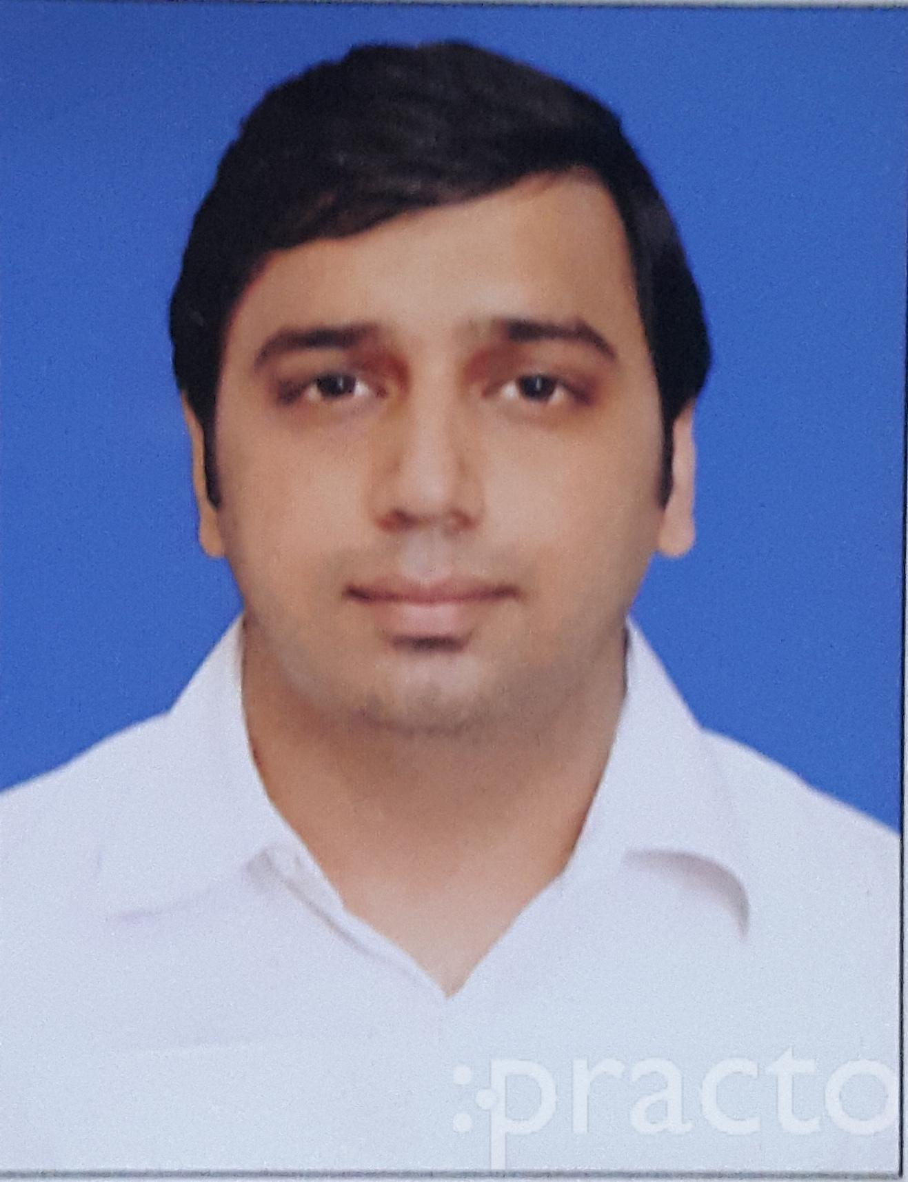 Dr. Neeraj Sachdev - Physiotherapist
