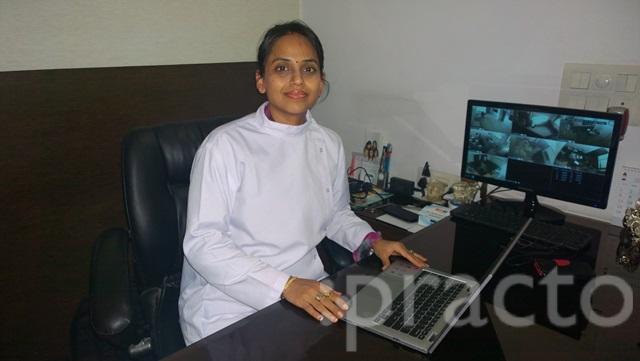 Dr. Nidhi Bansal - Dentist