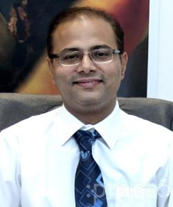 Dr. Nitin Deshpande - Ophthalmologist