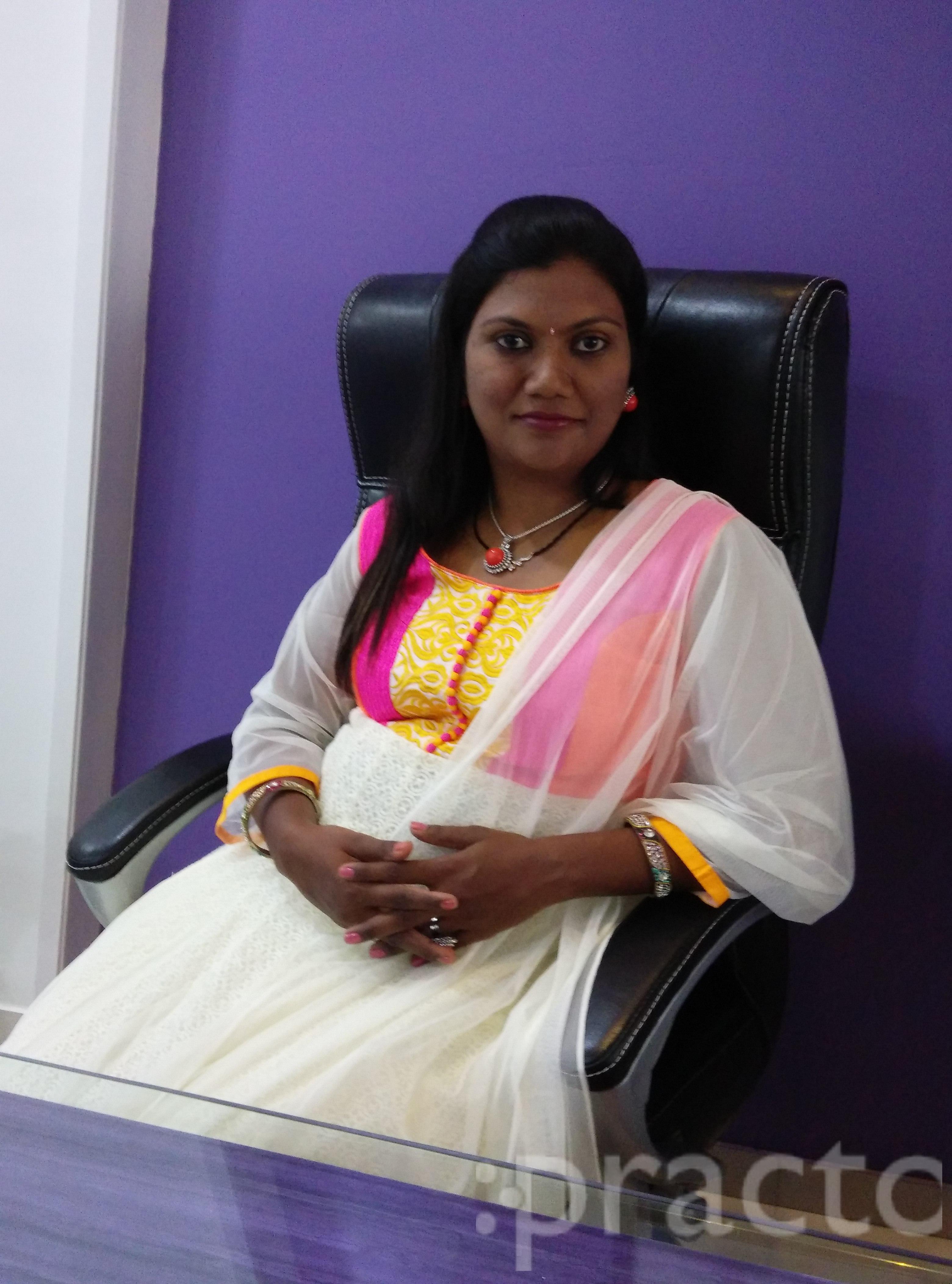Dr. Pallavi Kodgire - Dentist