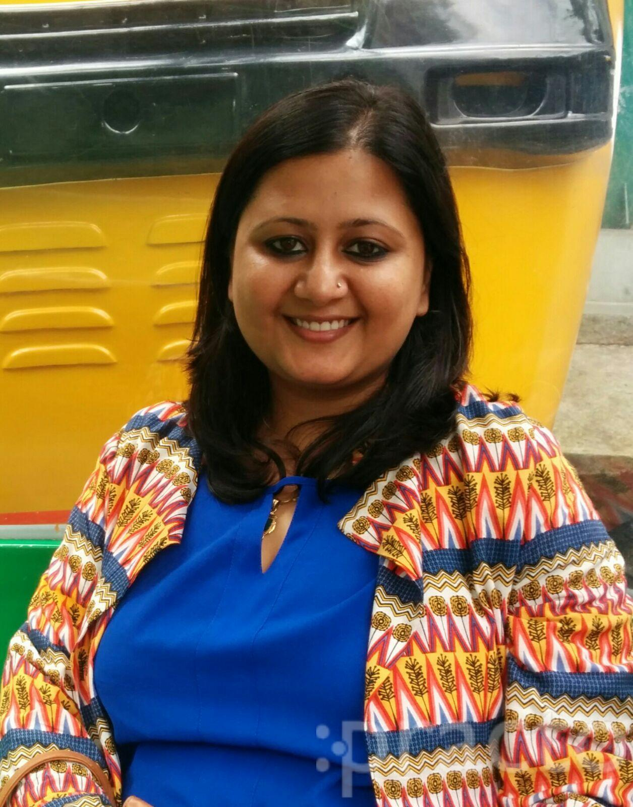 Dr. Parul Giri Verma - Dentist