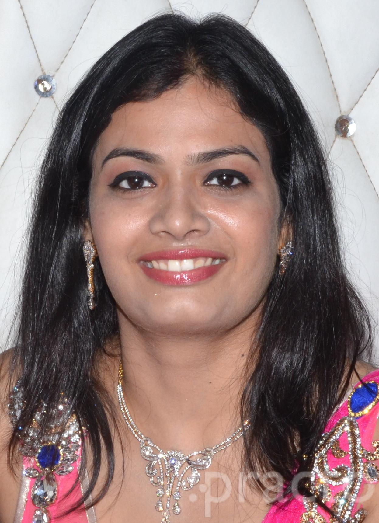 Dr. Pranjali Gupta - Dentist
