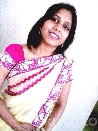 Dr. Priya Saraf - Dentist