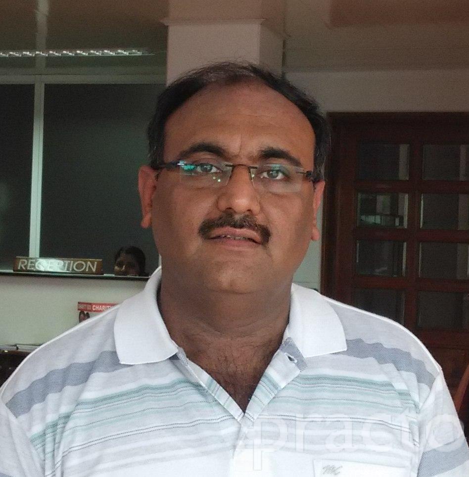 Dr. Puneet Narang - Dentist