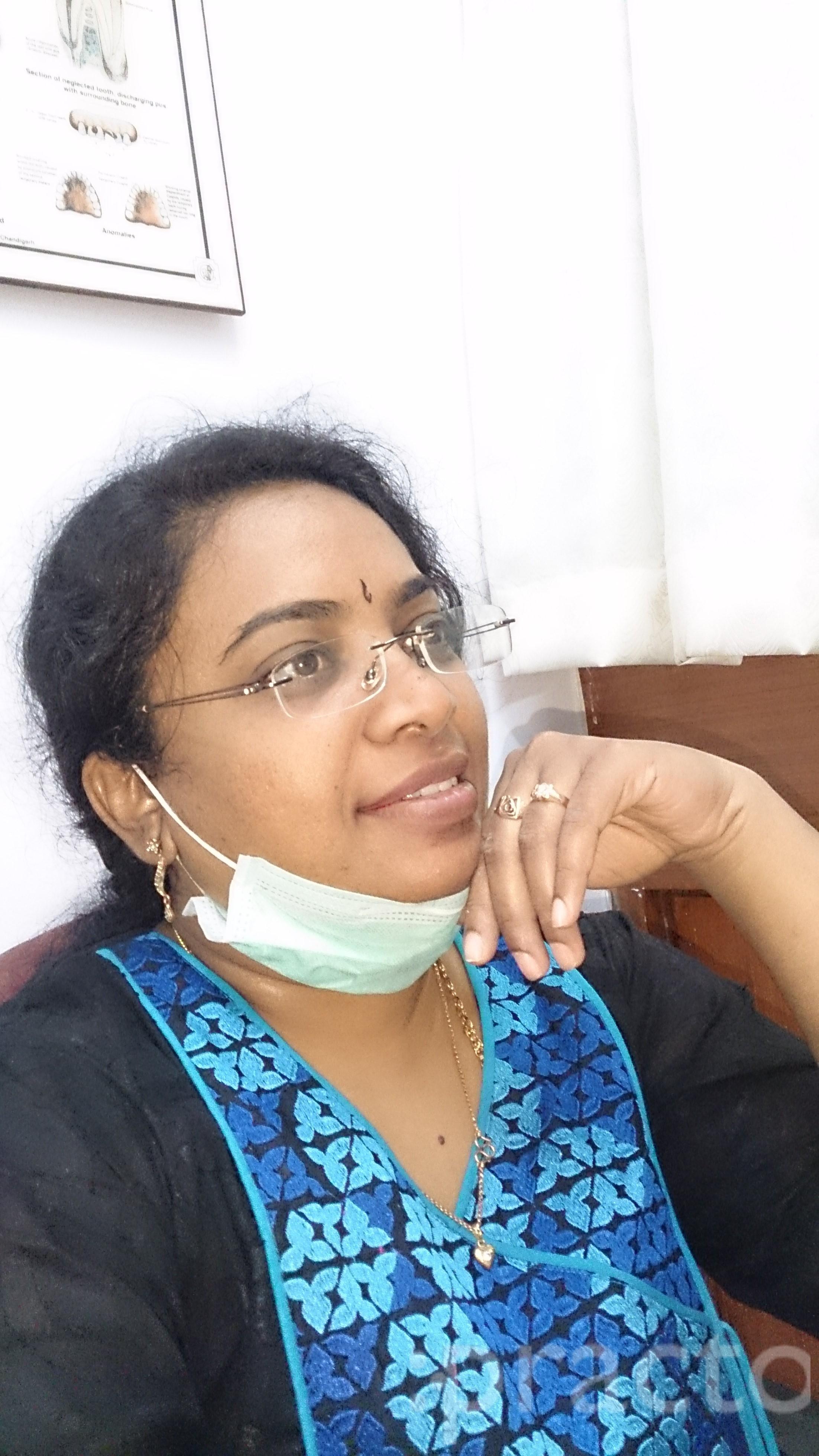 Dr. R V Kavitha Prasad - Dentist