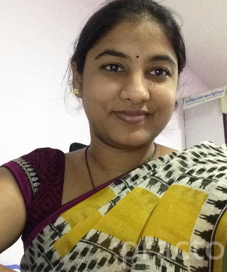 Dr. Ragini Meka - Dentist