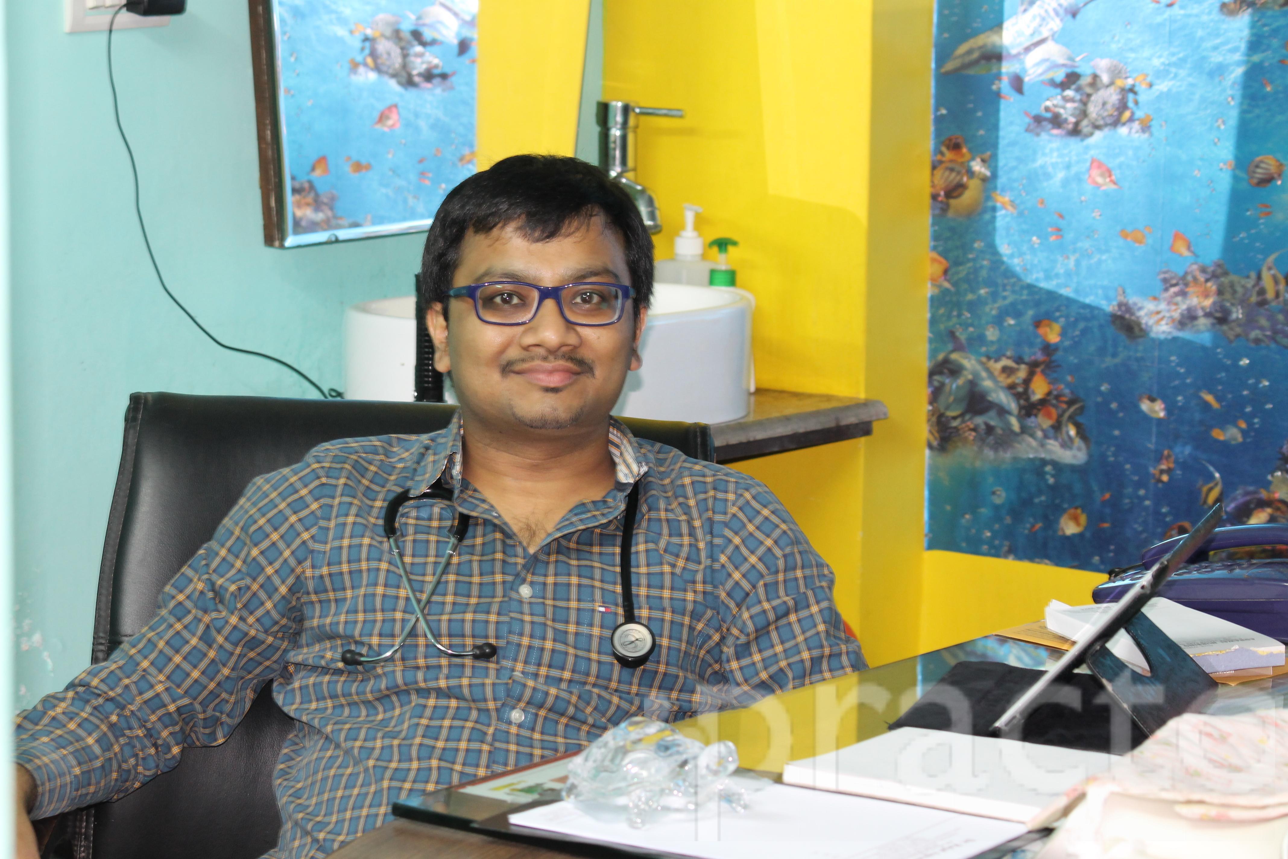 Dr. Rajat Agrawal - Pediatrician