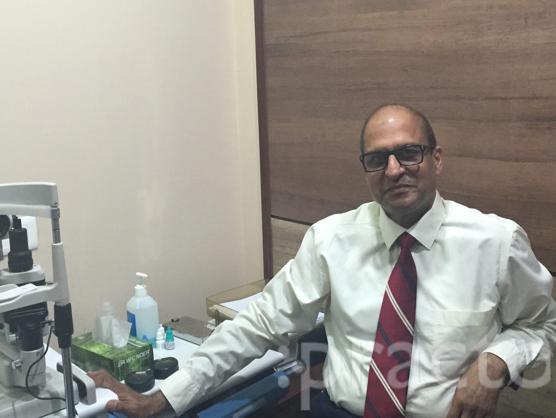 Dr. Rajesh Rastogi - Ophthalmologist