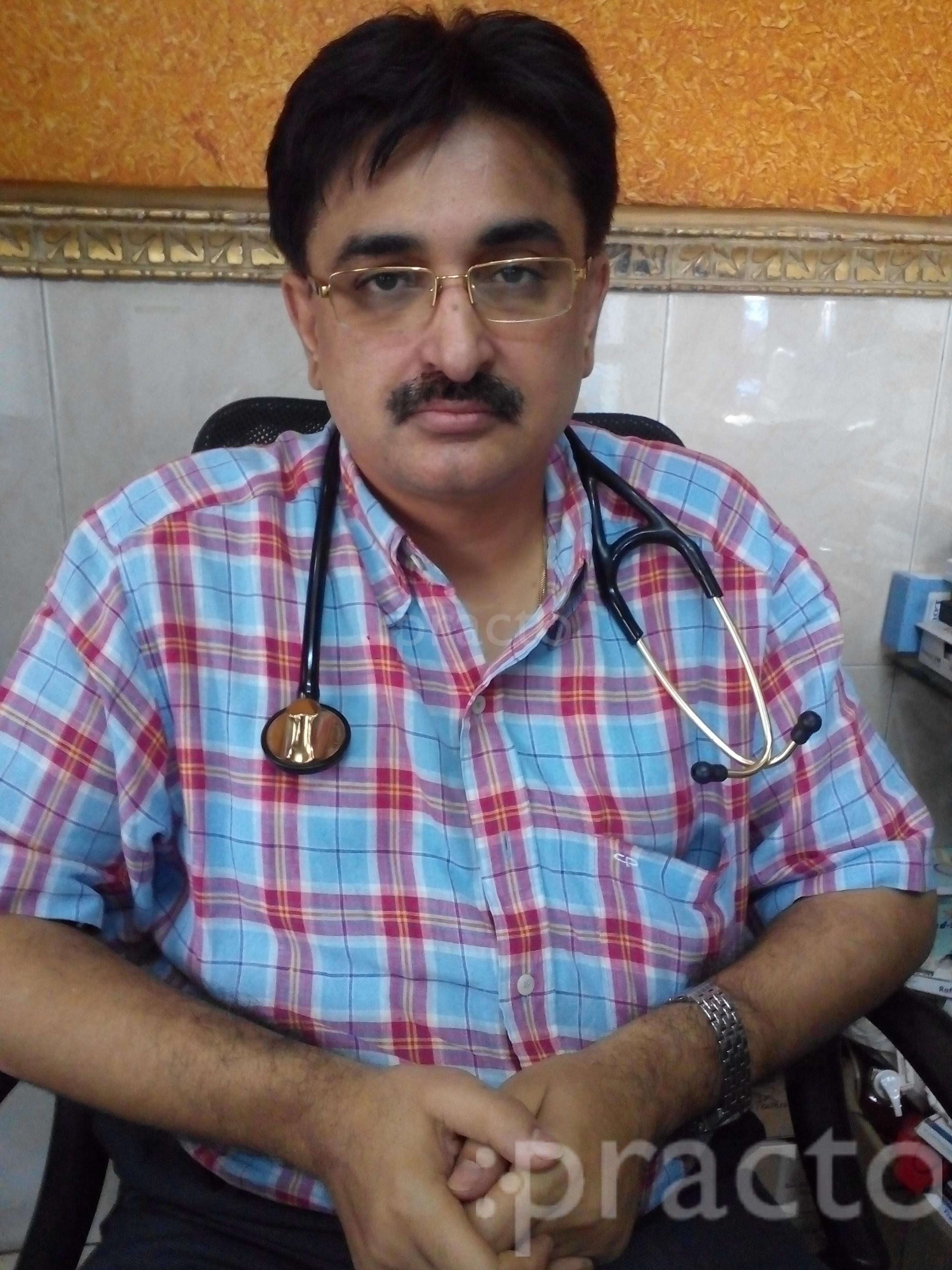 Dr. Rajiv Khanna - General Physician