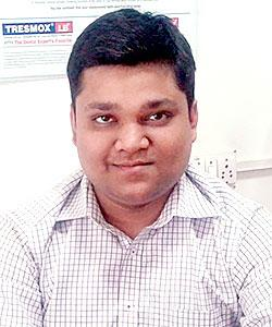 Dr. Rajul Khare - Dentist
