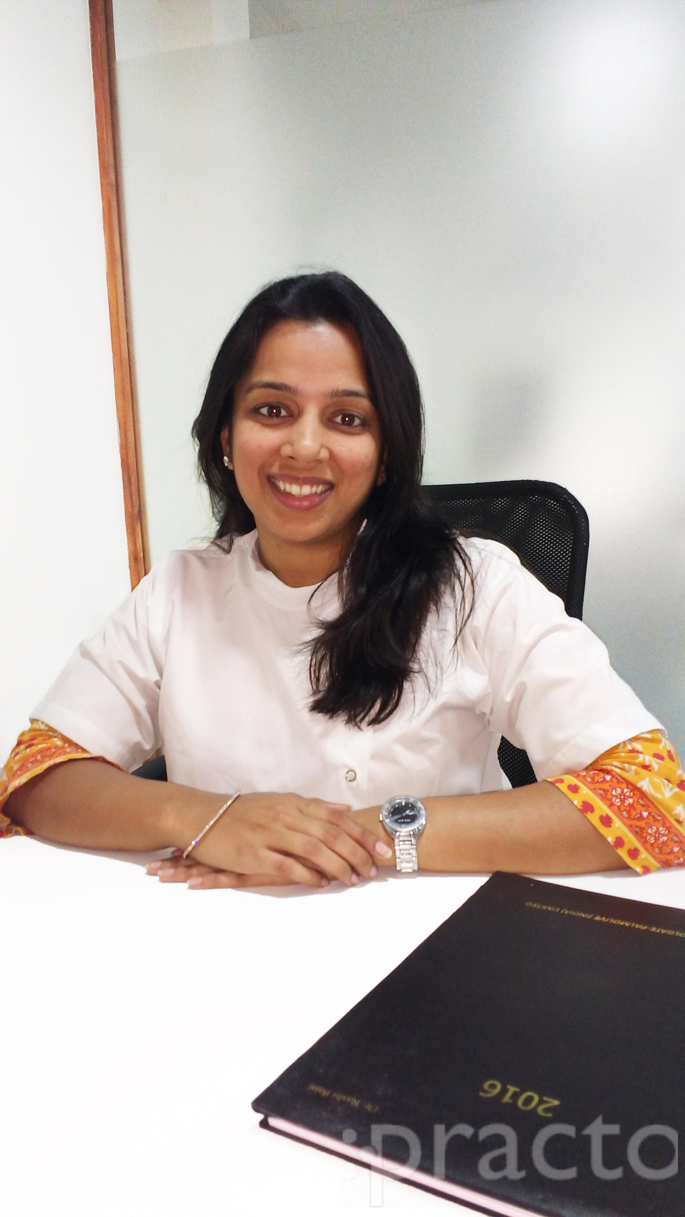 Dr. Rashi Bajaj - Dentist