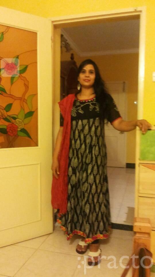Dr. Rekha Hariharan - Dentist
