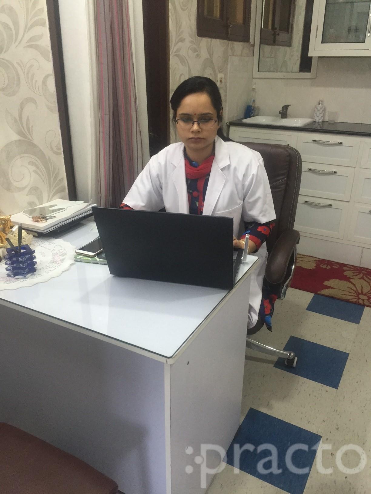 Dr. Renu Choudhary - Dentist