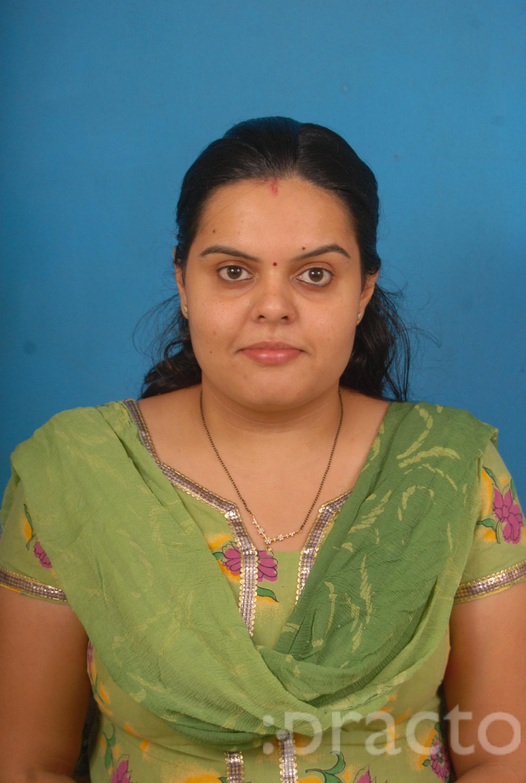 Dr. Ruchi Dewulker - Dentist