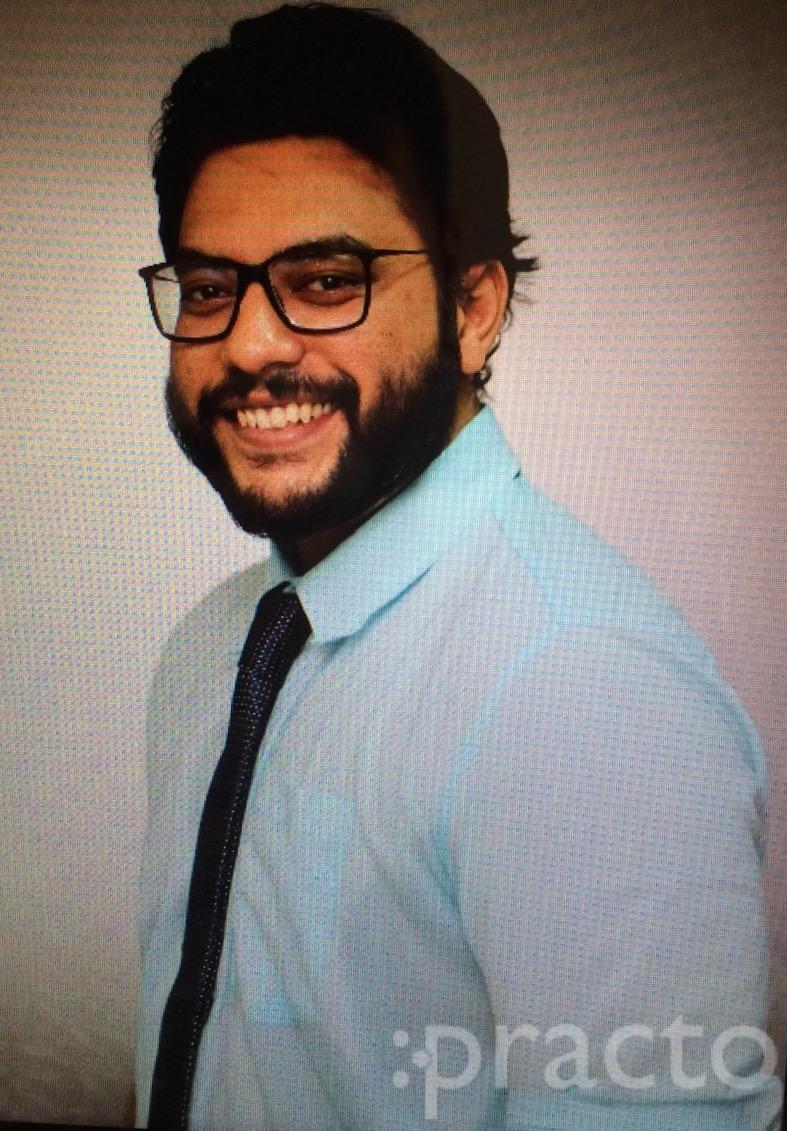 Dr. Salem Tariq - Dentist