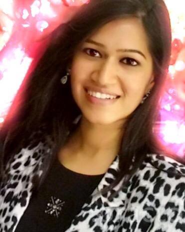 Dr. Sandhya Biyani - Dentist