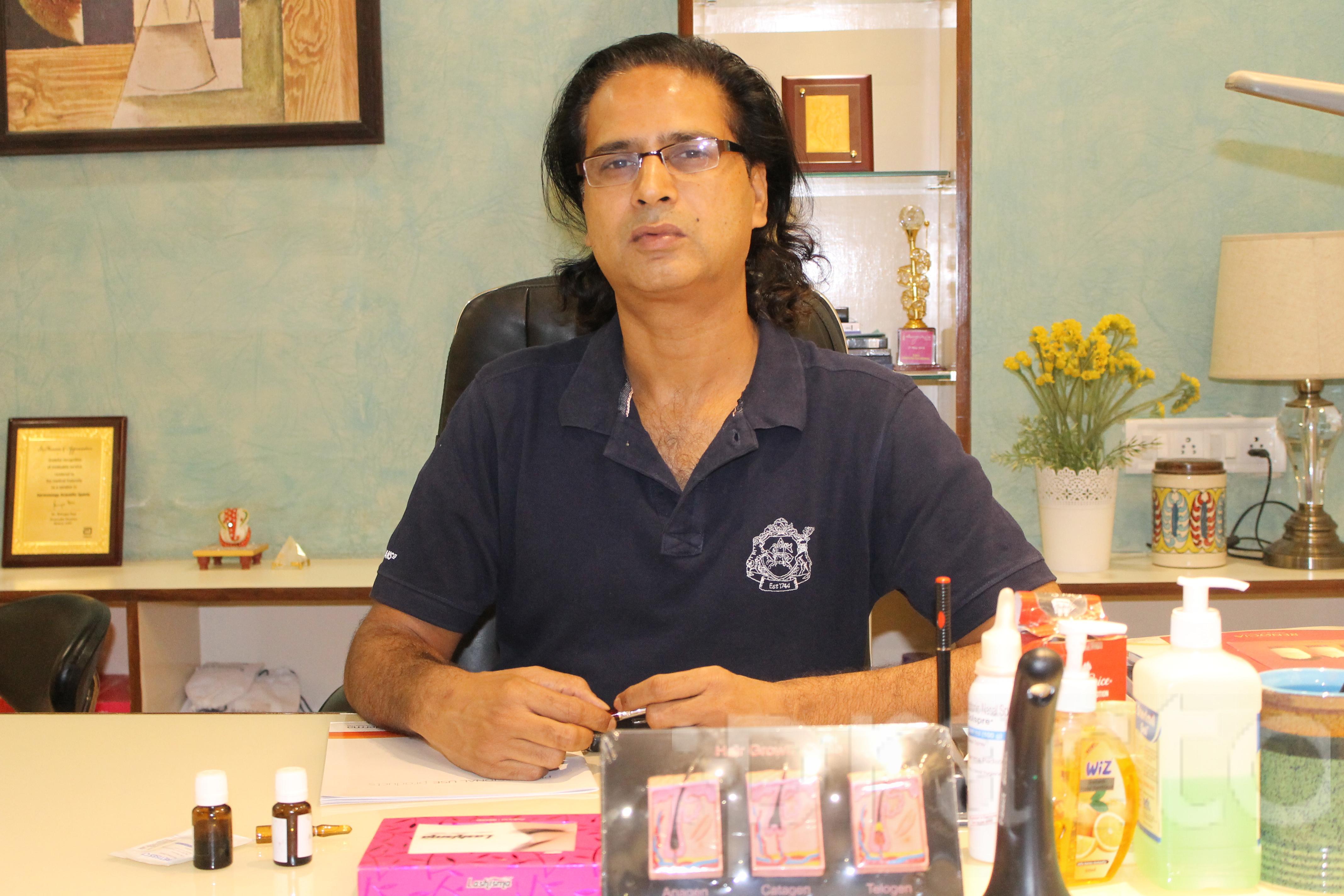 Dr. Sanjay Sakarwal - Cosmetologist