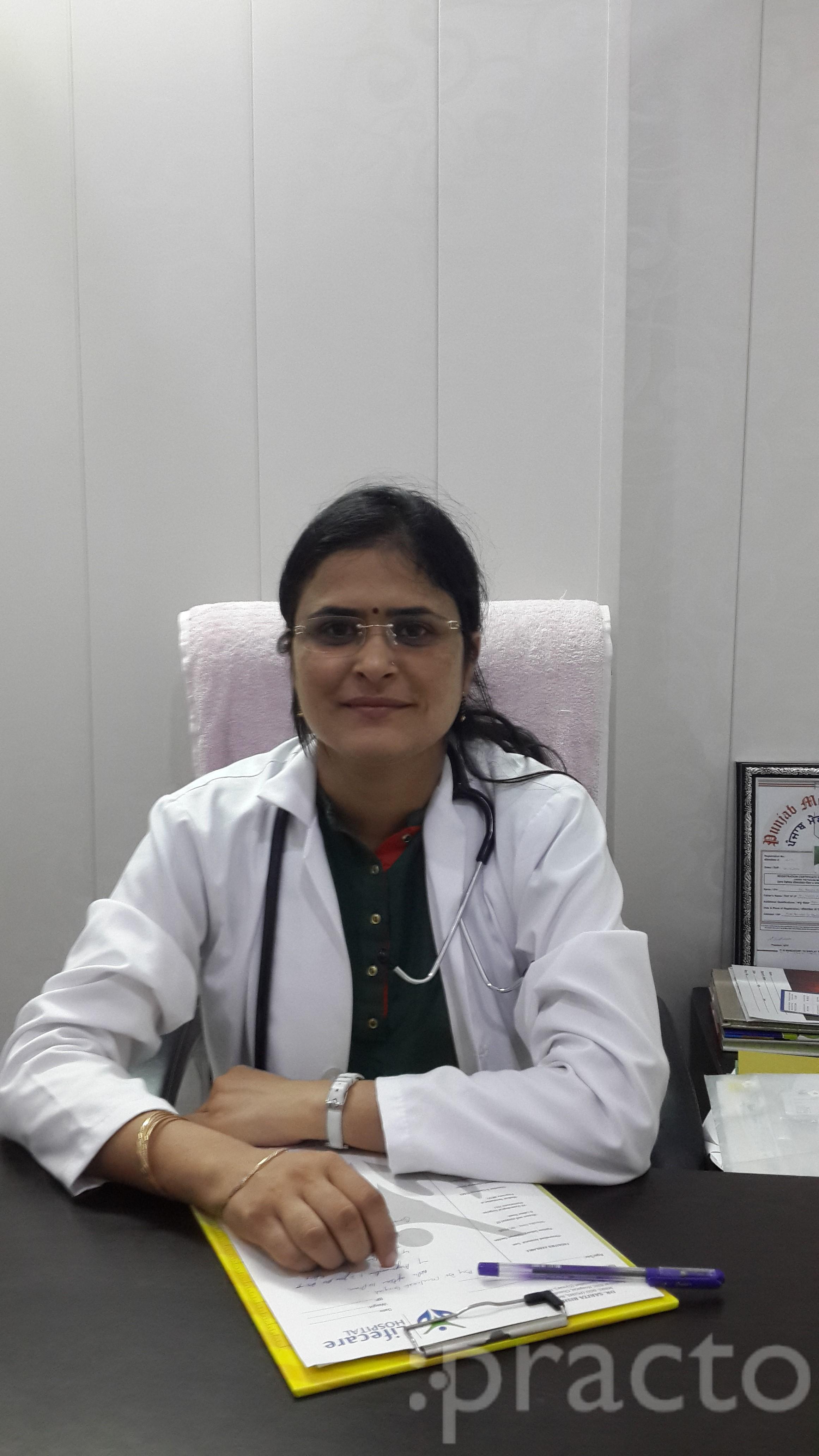 Dr. Sarita Bishnoi - Gynecologist/Obstetrician
