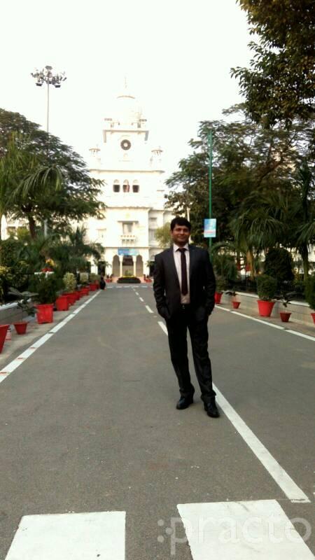 Dr. Satyaveer Singh - Dentist