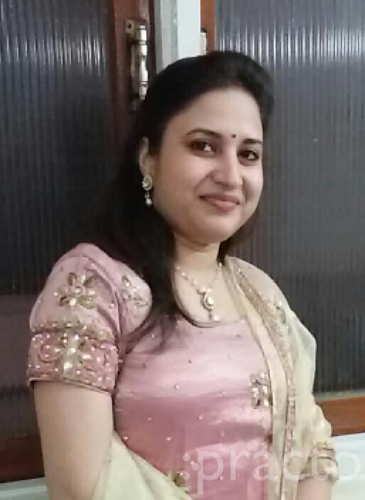 Dr. Saumya Tandon - Dentist