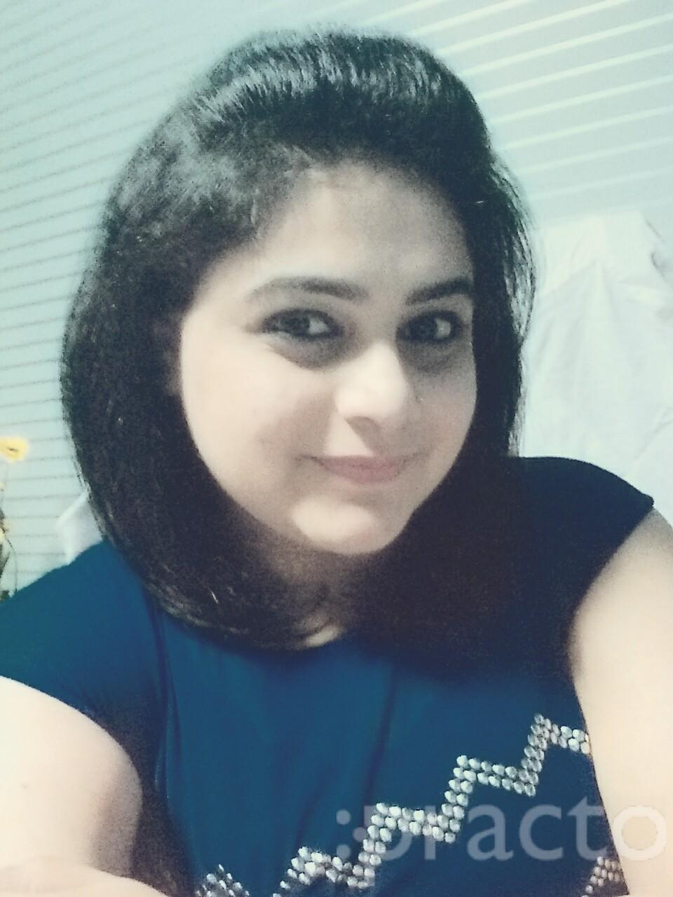 Dr. Shruti Bhatia - Dentist