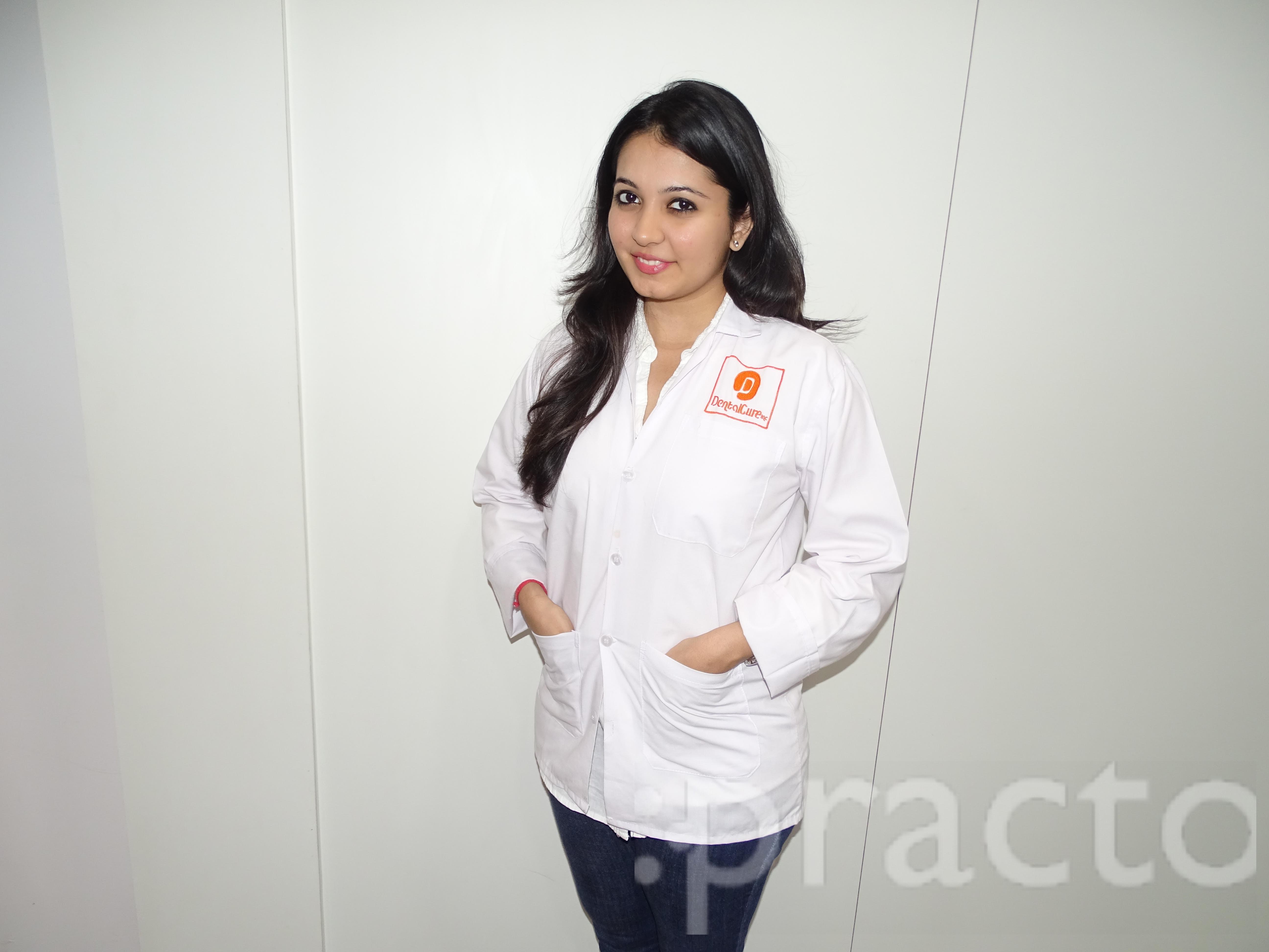 Dr. Shweta Thakkar - Dentist