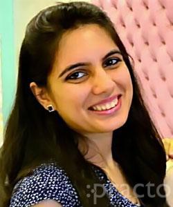 Dr. Srishti Navlani - Dentist