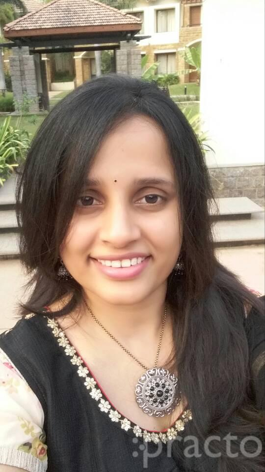 Dr. Sruthi Alla - Dermatologist