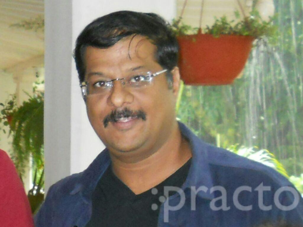 Dr. Sumit Soni - Dermatologist