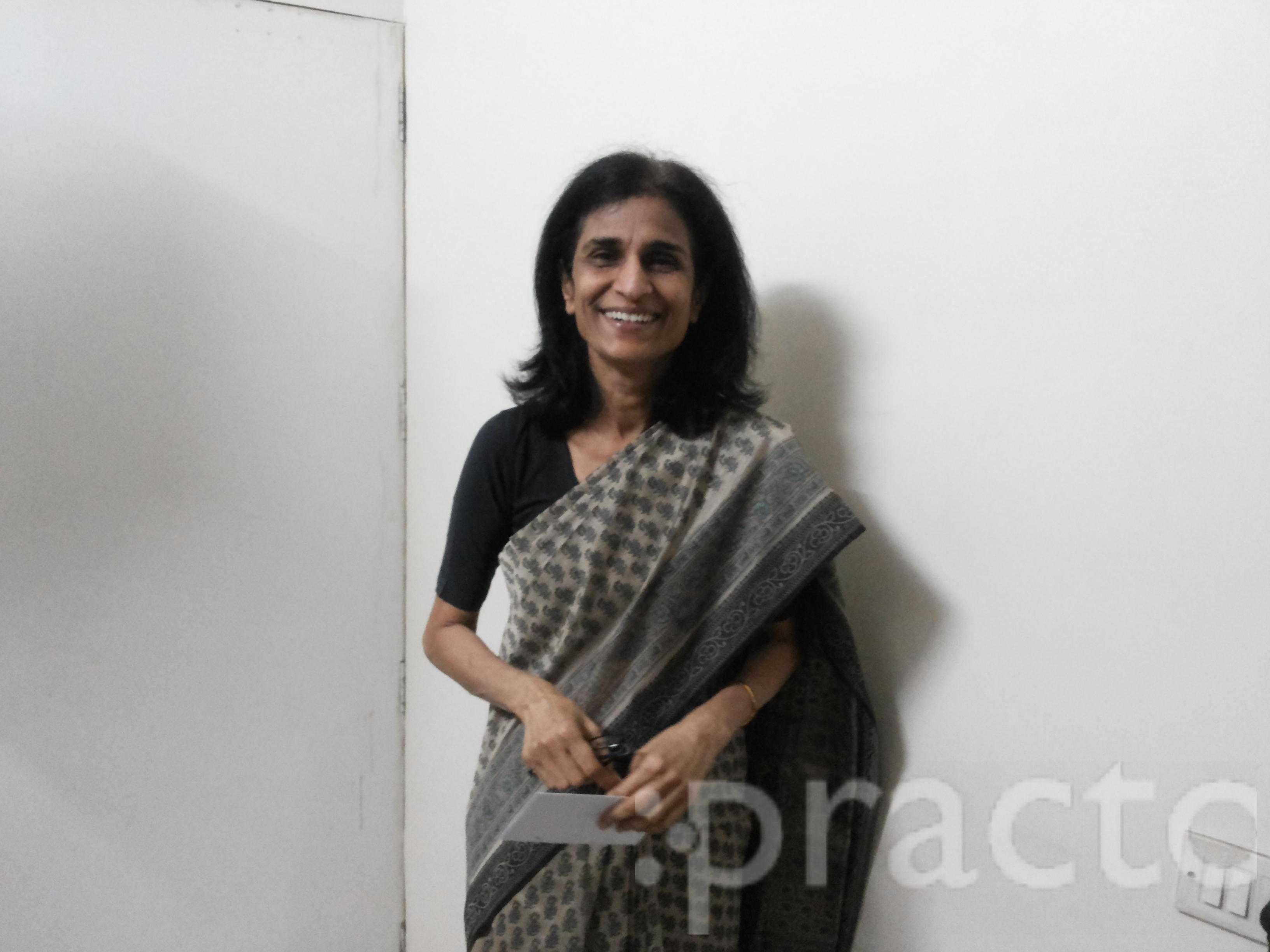 Dr. Sunita P Karnik - Ophthalmologist