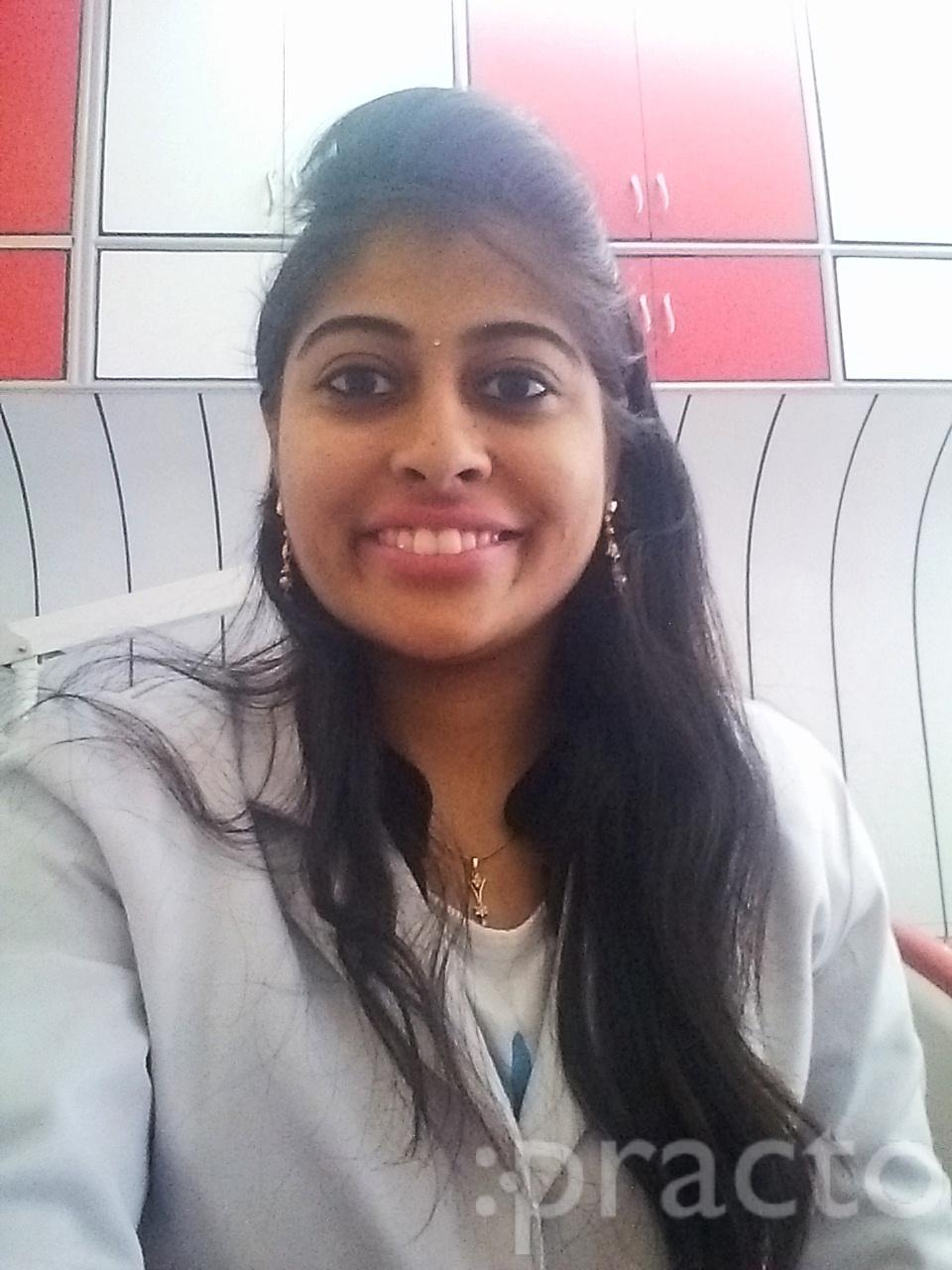 Dr. Surabhi Mahajan Malhotra - Dentist